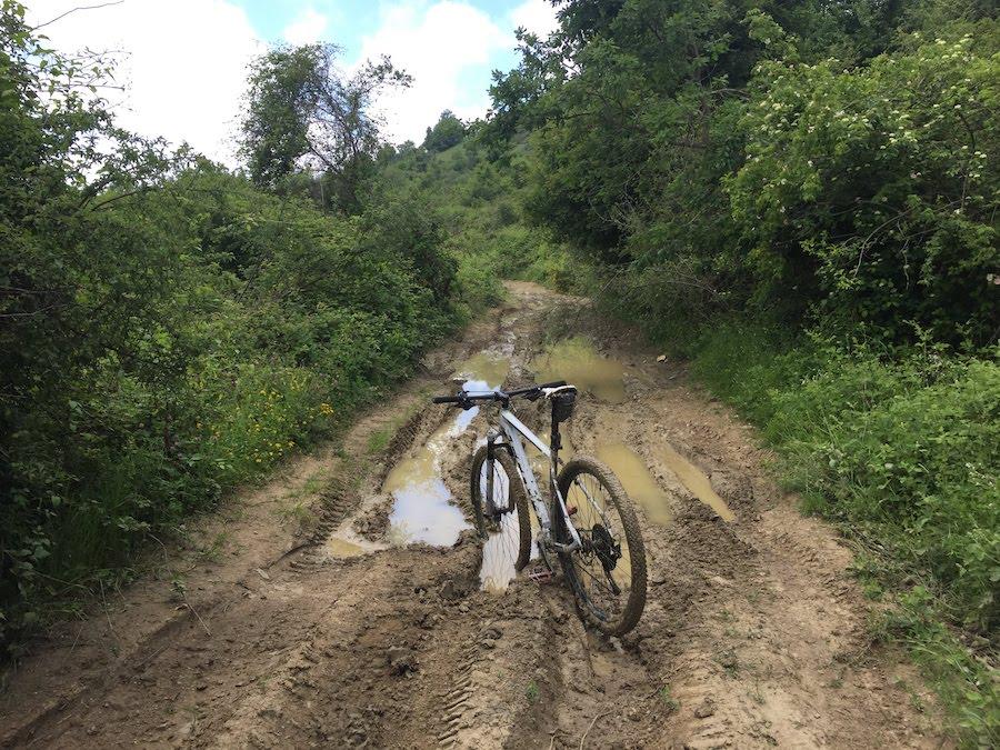 fango ai piedi di monte Giovi
